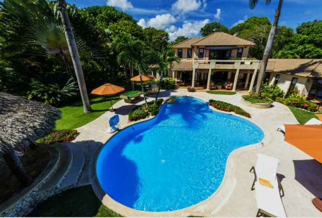Amazing Beach Front Villa In Elite Gated Community