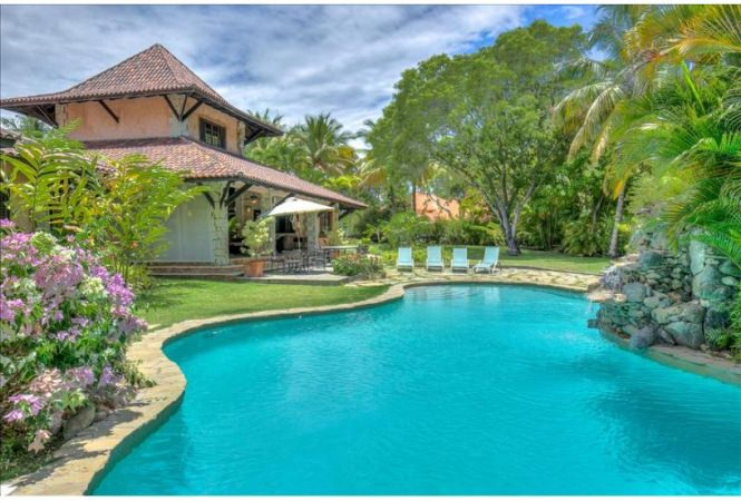 Vacation Villa with Caribbean Lifestyle In Elite Community