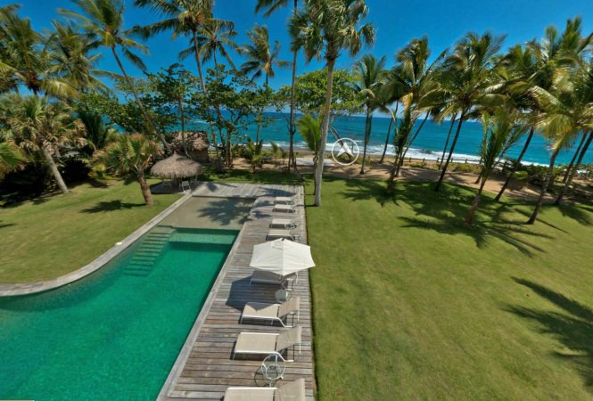 Outstanding Caribbean Beachfront Vacation Rental Villa
