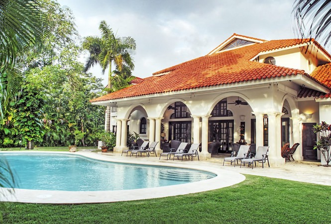 Elegant Villa With Relaxed Attitude And Open Floor Plan.