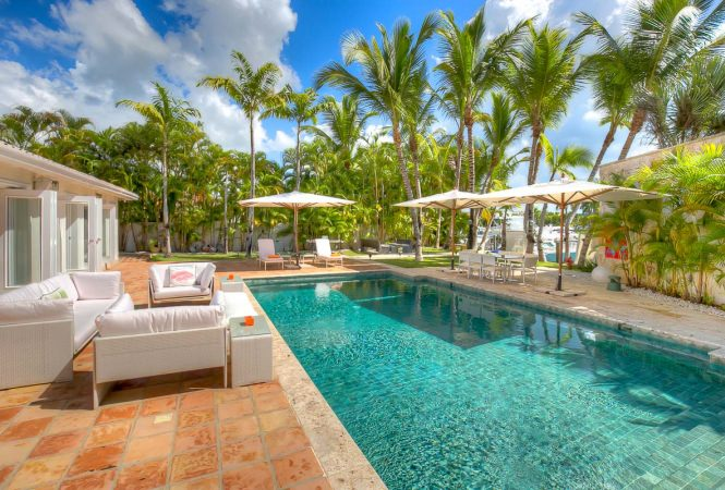 Luxury Lake Front Holiday Rental Villa In Punta Cana