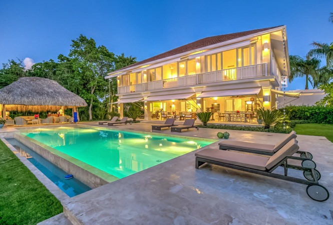 Luxury Golf Front Vacation Villa In Punta Cana